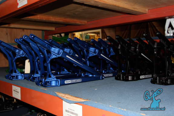 Ano Blue V-10 rear triangles, ready to roll.