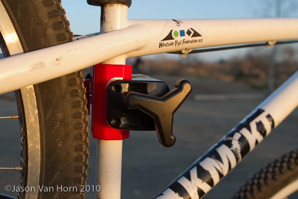 The Pro-Elite Tri-knob allows for easy adjustment.
