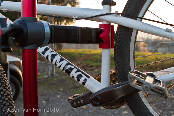 The Pro Elite was able to clamp my dirt jump frame although there was a minimal about of clearance.