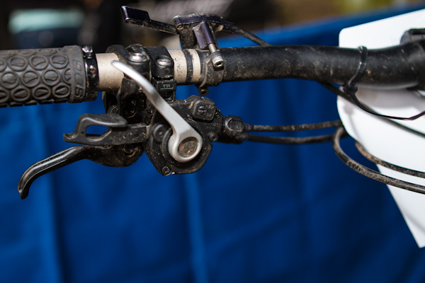 Made sure you have this switch selected for the correct configuration to avoid dropping your chain and proper shifting.
