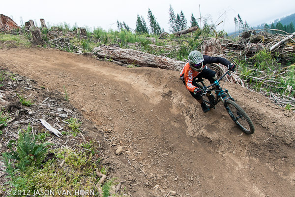 Mathew Magnus rocks the Kali Avatar on a run down the Thrillium DH Trail in Camus, Washington.