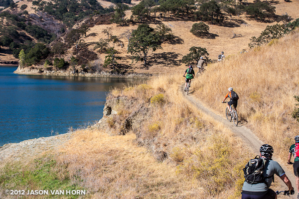 A section of trail that overlooks the lake at Del Valle Regional Park