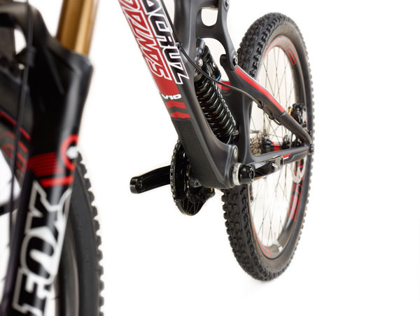 A down tube protector can also be seen near the bottom bracket.