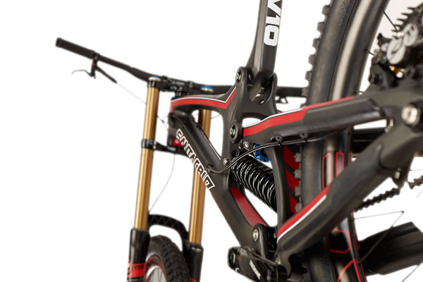 The new Santa Cruz V10c. Note the slightly out of focus chain stay protector.
