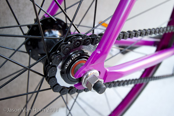 The Lurker comes stock with a fix or freewheel option. Just flip the wheel.