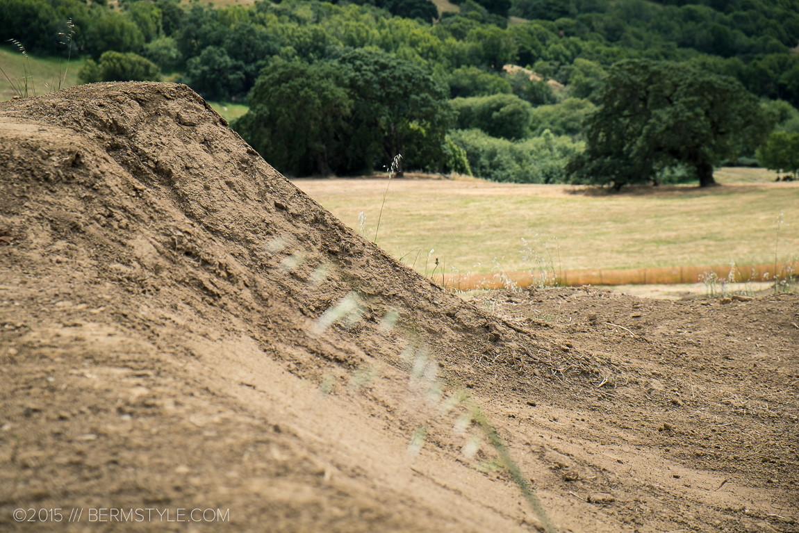The first straight of the jump line features three different height lines and lips.