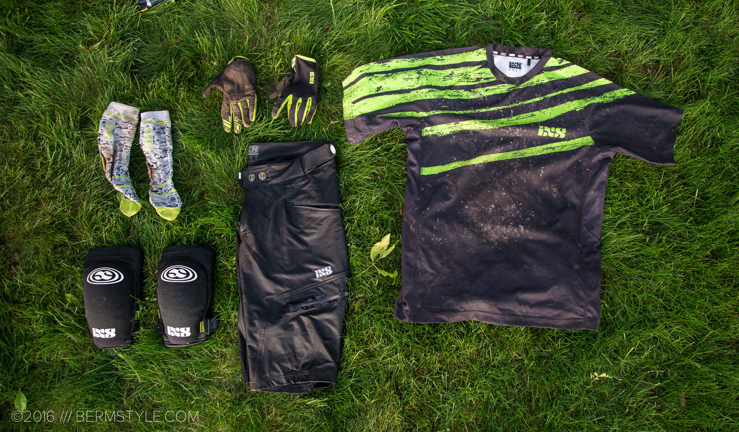 Review: IXS Sever Shorts & Evus Jersey