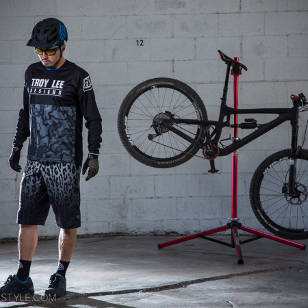 image for Style Check: TLD Skyline Speeda Shorts & Sprint Ops Jersey