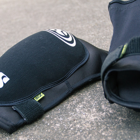 image for Fresh Gear: IXS Flow Knee Pads