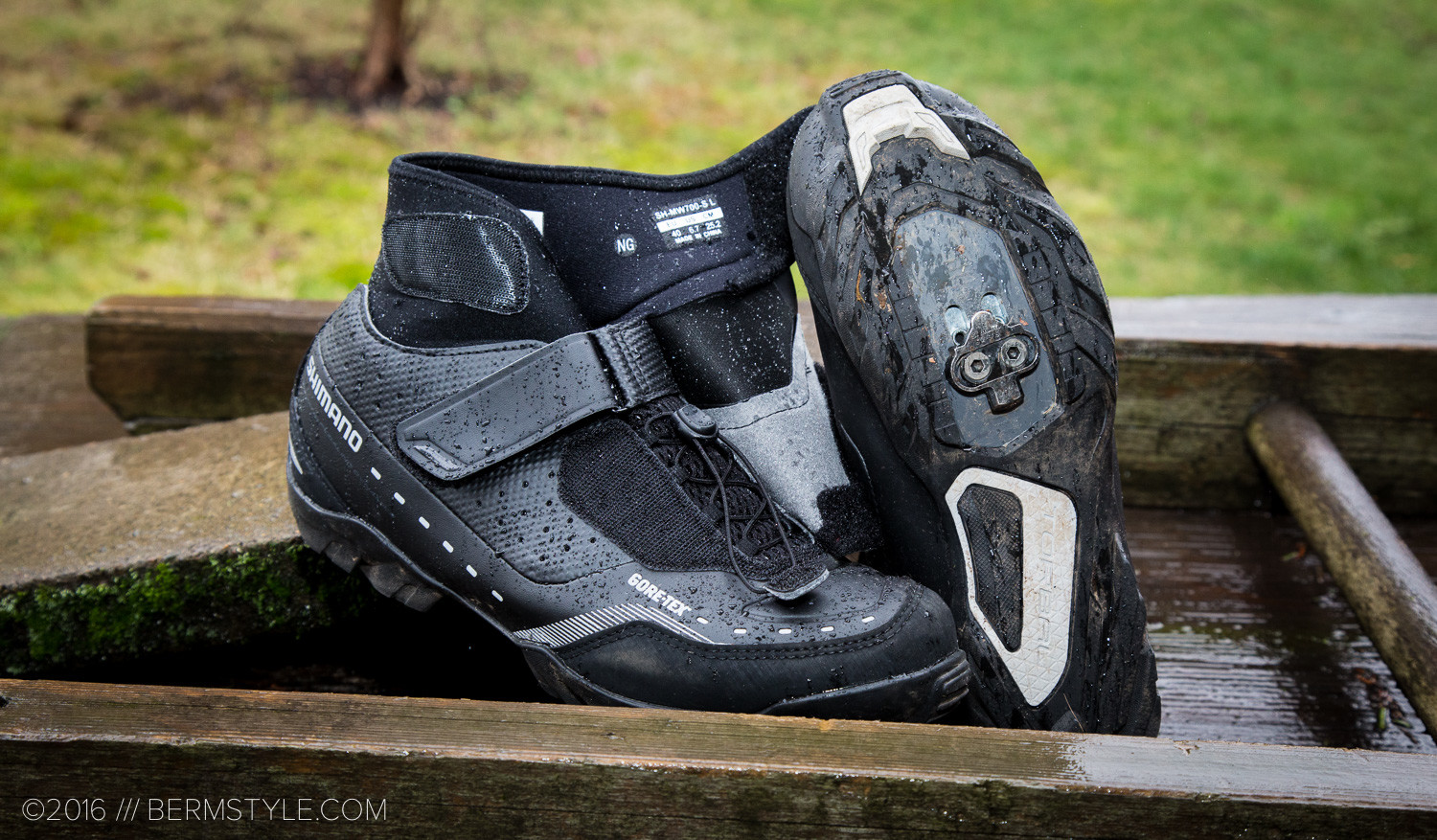 The speedlace system makes it easy to put on and remove the SW7 shoes.