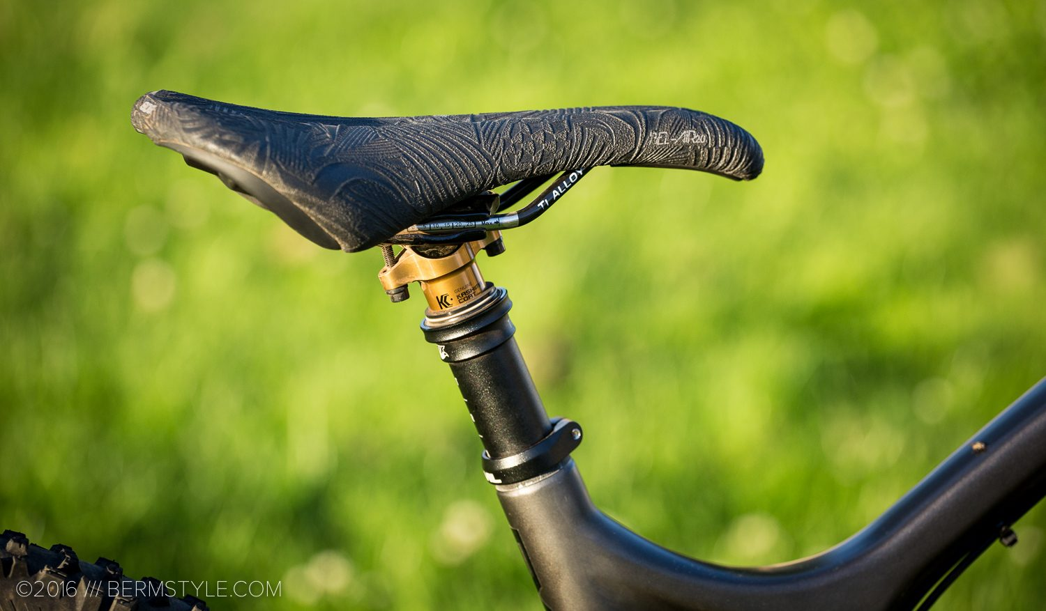 Fox's new Transfer Adjustable Height Seatpost and SDG Bel-Air Saddle.