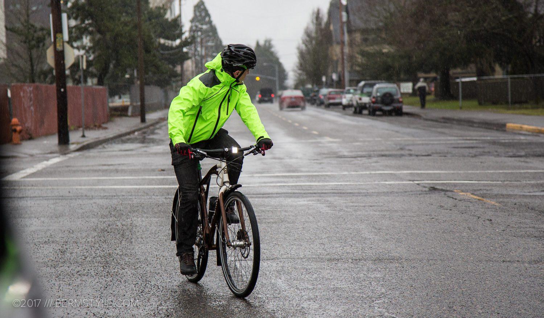 communing by bike in Portland, Oregon