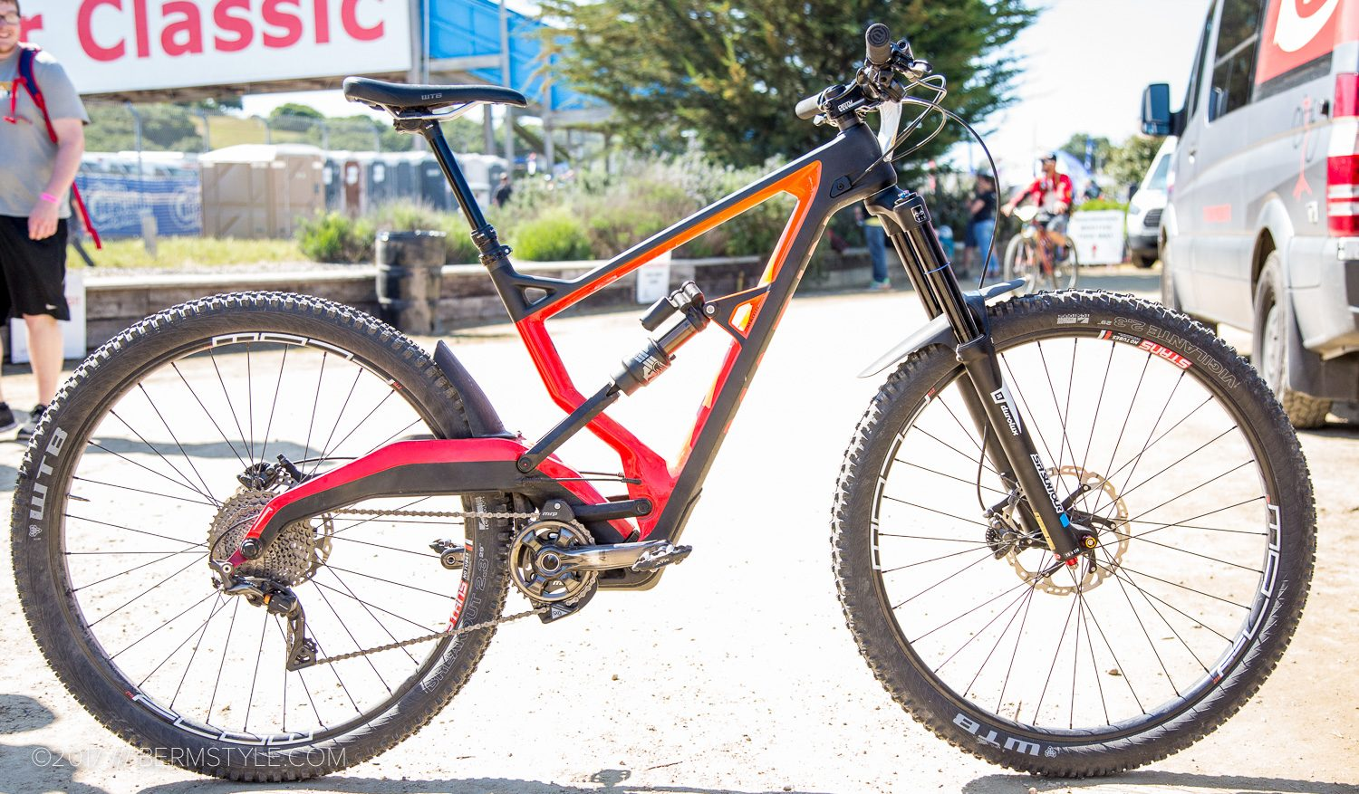 The new Marin Wolf Ridge Pro featuring the innovative R3ACT 2PLAY suspension