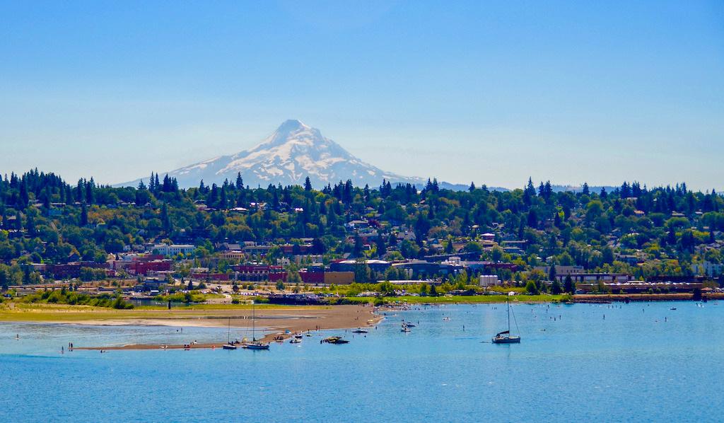 Hood River, Oregon. Photo: Outfound Series