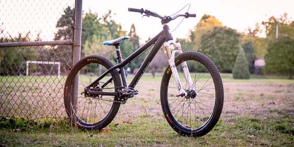 Santa Cruz Jackal Dirt Jumper Custom Build feauted image
