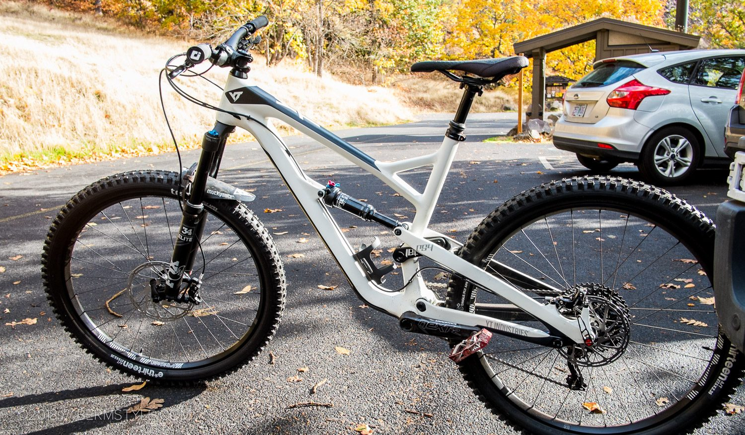Review: YT Industries Jeffsy 27 5″ CF Pro
