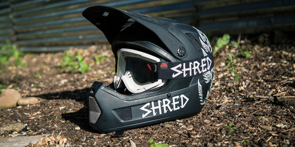 Review: Shred Brain Box Full Face MTB Helmet & Nastify MTB Goggles feauted image